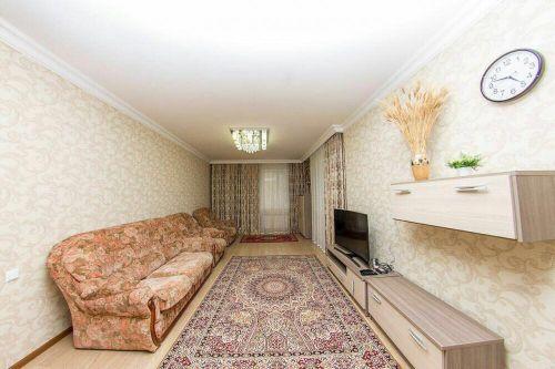 Продаю трехкомнатную квартиру в Мирзо-Улугбекском районе ул.Проспект Мустакиллик