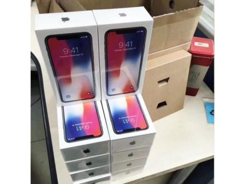 Apple iPhone X 256GB/Apple iPhone 8 Plus 256GB $450