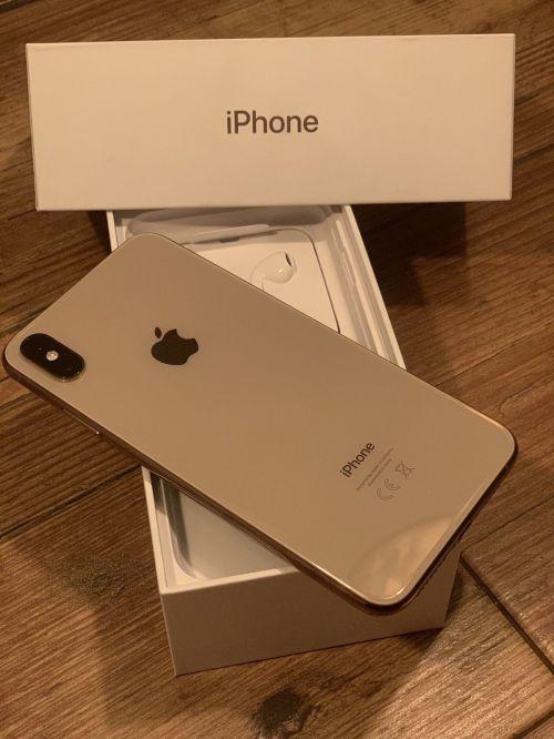 Apple iPhone Xs 64gb €520 iPhone Xs Max 64gb €570 WhatsApp +44 7451 238998