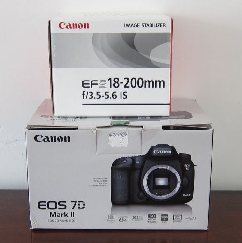 canon eos 7d mark ii Body With Box